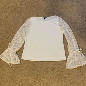 Banana Republic Bell sleeve blouse size small